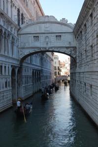 Gondola traffic jam under Bridge of Sighs