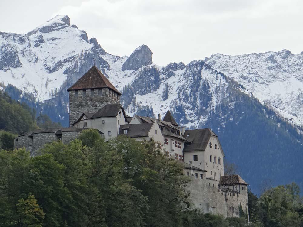 часть горы в лихтенштейн фото журналы, интернет-порталы составляют