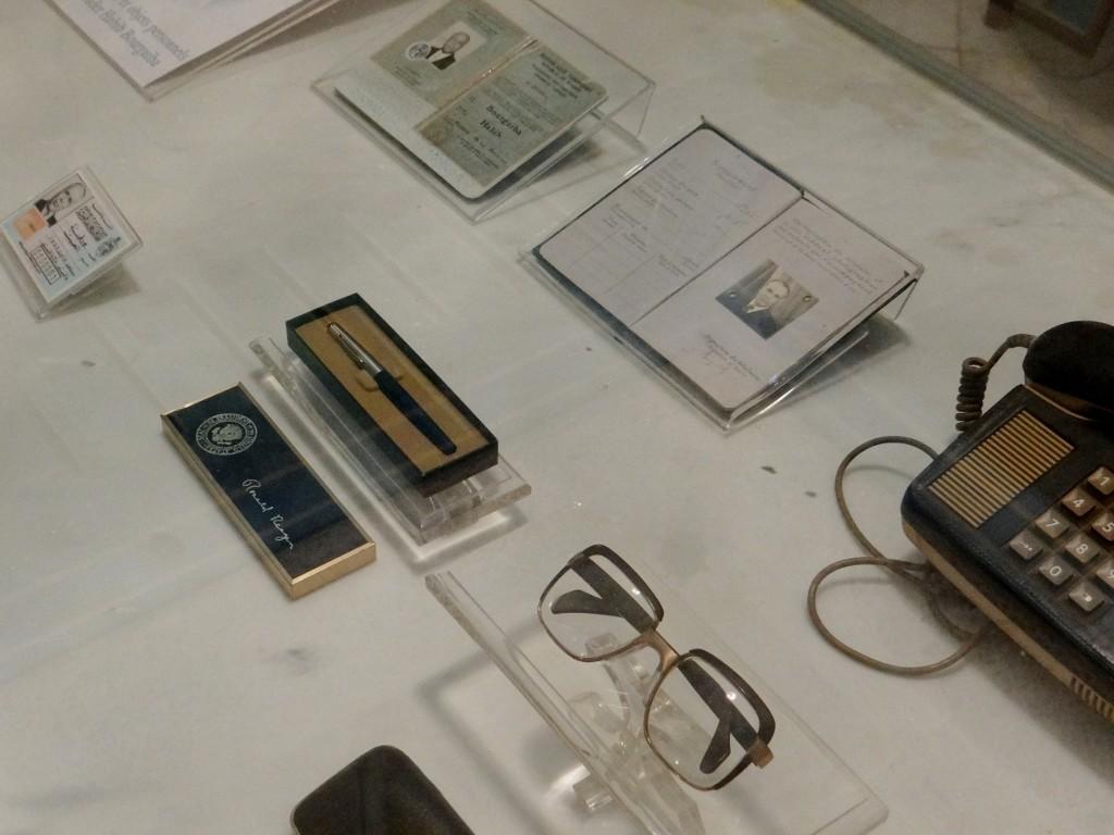 Bourguiba memorabilia, including a Ronald Regan pen