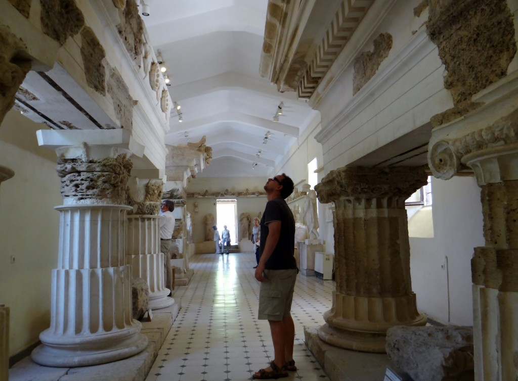 Jay in the museum - brown stuff is original, white is plaster cast (Jay is original!)