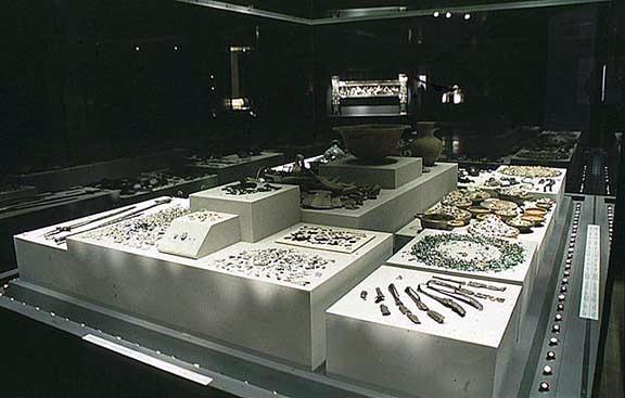 Macedonian_Museums-42-Arx_Bas_Tafoi_Berginas-185