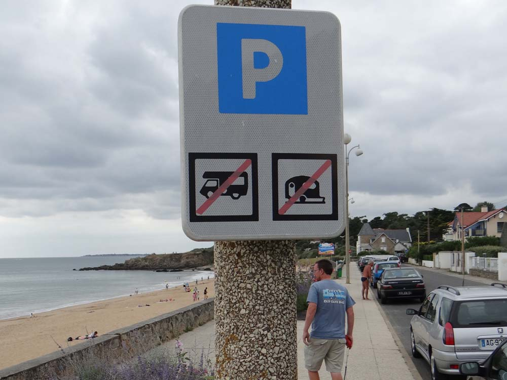 Not surprised it's no parking for us along here!
